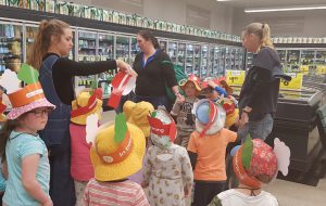 Fresh Food Kids Tour at Woolworths